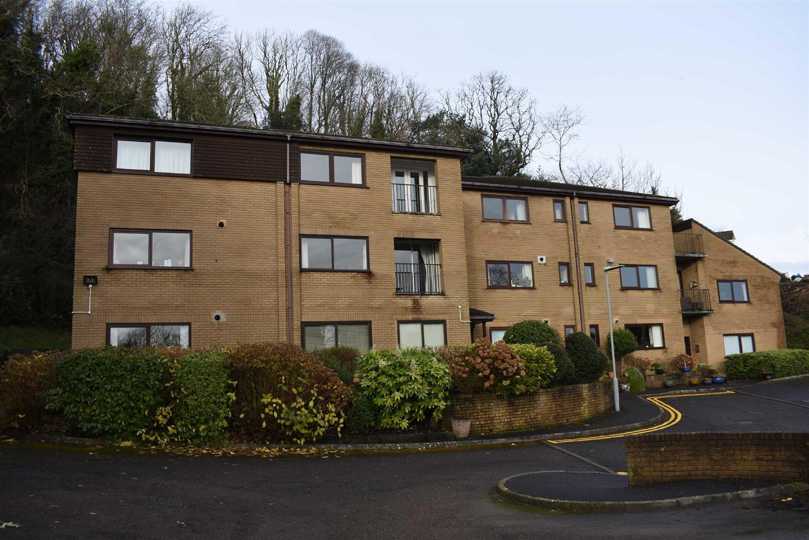 Oystermouth Court, Mumbles, Swansea, SA3 5TD